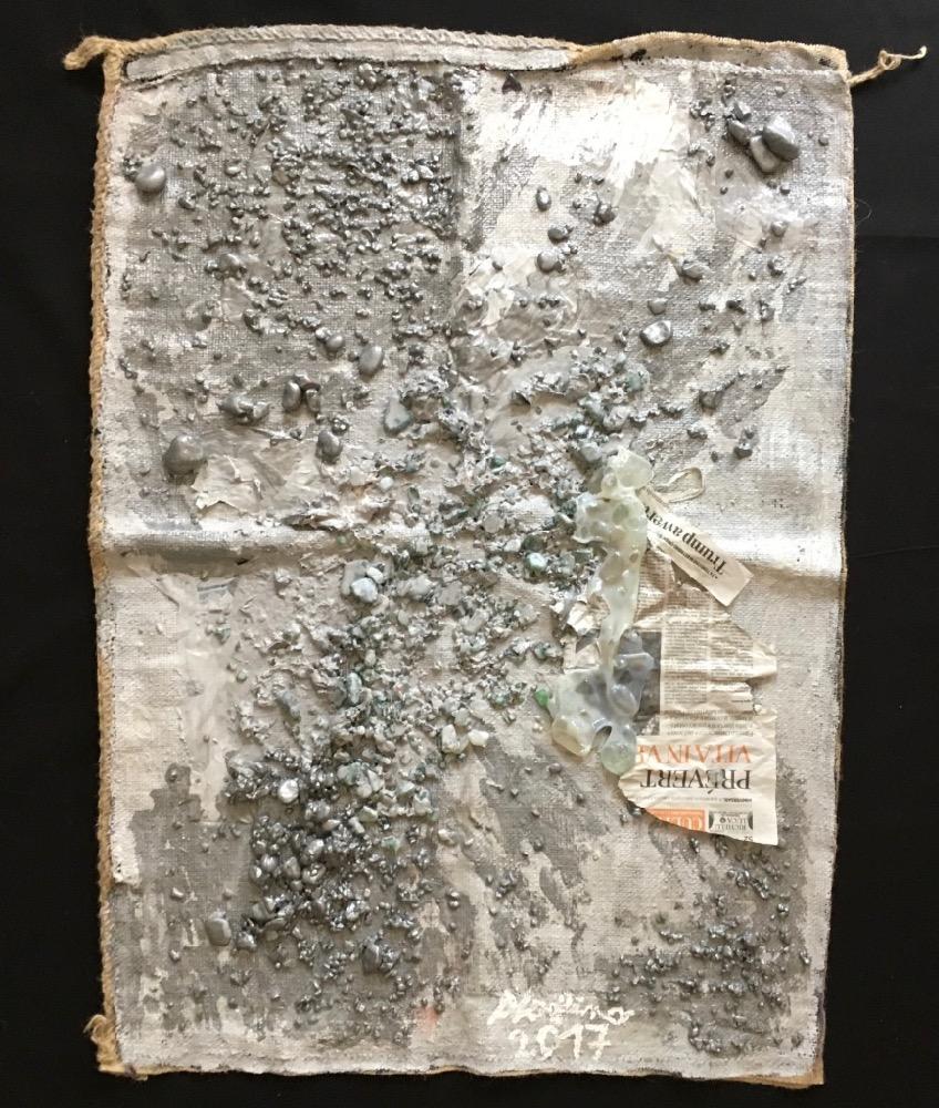 AliceVoglino_Diluvio_2017_cm97x70x2,5_acrilici, gesso, sassi, vetri, carta di giornale su juta