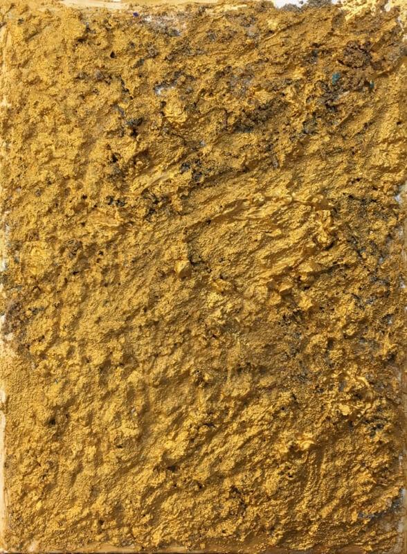 Alice Voglino_Senza titolo oro_2019_acrilici sabbia su tela_cm40x30_in16x12